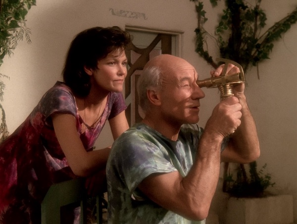 Picard / Kamin (Patrick Stewart) and wife Eline (Margot Rose)